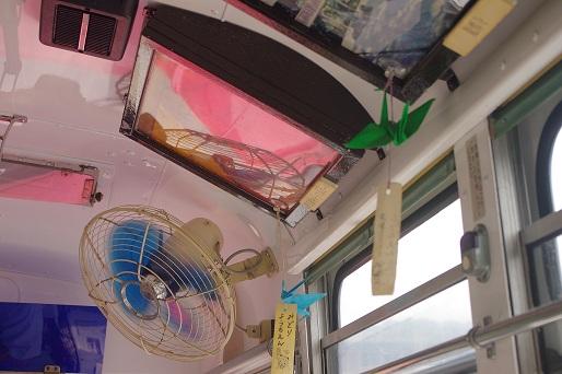 2012.7.15 近江鉄道 ボンネットバス車内2.jpg