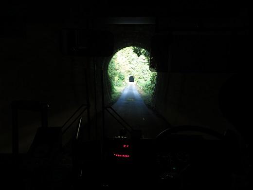 2014.9.29 五新線専用道 バス車中2.JPG