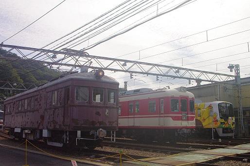 2015.10.4 神戸電鉄鈴蘭台車庫 デ101号入替動車4.JPG