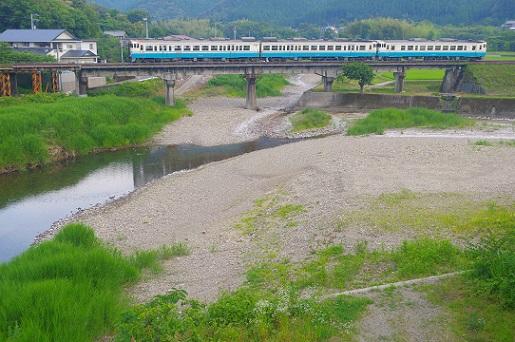 2017.6.18 牟岐線 牟岐-辺川 キハ40+47.JPG