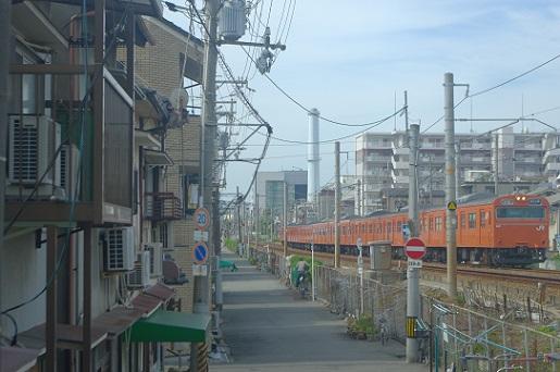 2017.9.30 桜島線 安治川口-西九条 103系1.JPG
