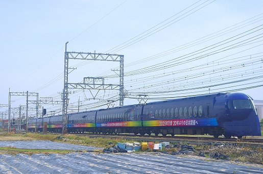 2018.4.22 南海本線 鶴原-井原里 万博誘致ラッピング ラピート1.JPG