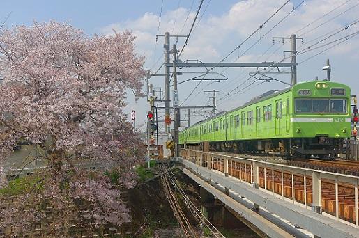 2018.4.3 関西本線 平城山-奈良 103系1.JPG
