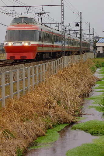 2012.3.4 小田急小田原線 栢山-開成 小田急7000系1.jpg