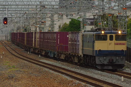 2018.9.1 東海道本線 JR総持寺 EF65貨物1.JPG