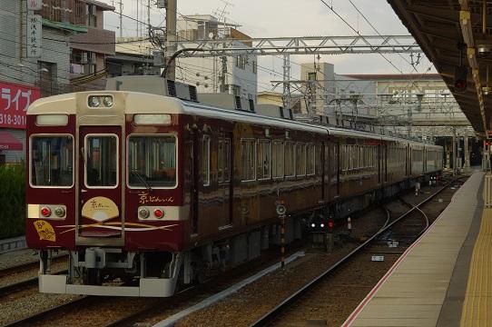 2019.2.23 阪急京都線 正雀 京とれいん1.JPG