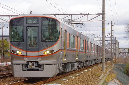 2019.2.8 東海道本線 摂津富田-JR総持寺 323系試運転1.JPG